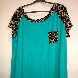 Turquoise and leopard shirt sleeve shirt size 2x
